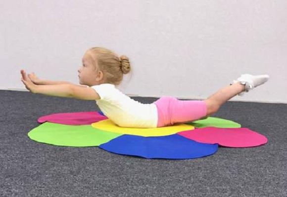 Uşaqlar üçün gimnastika dərslərini unutmayın