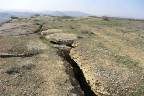 Qobustandakı qayaüstü rəsmlər və qədim mağaralarda təhlükə yaranması təsdiqləndi - 4